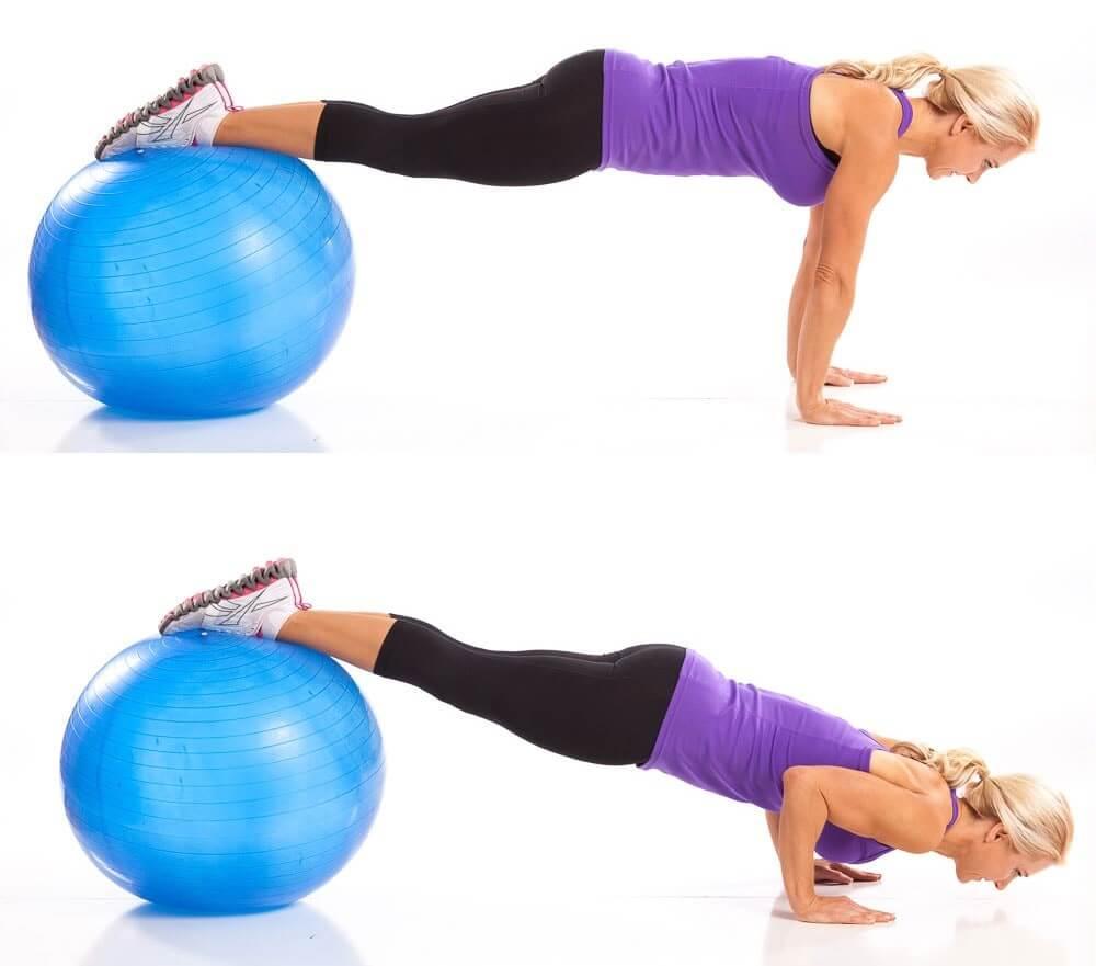 отжимания для грудных мышц на фитболе